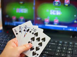 Top Tips to Keep Safe When Playing Online Casinos