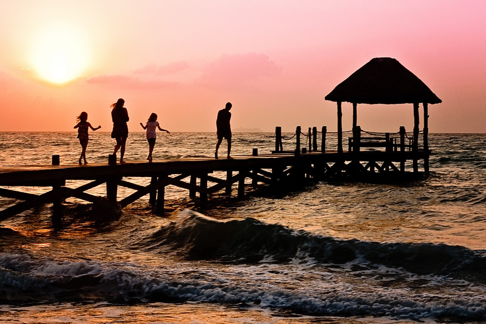Tips For Booking Family Holidays